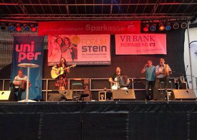 Gabriele Schuh zusammen mit der Blackwater Band aus Irland beim Kulturfrühling Stein